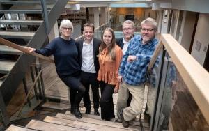 Hold af erhvervsklumme-skrivere. Fra venstre: Annette Vilhelmsen, der skriver dagens klumme, Jan Størup Nielsen, Signe Fejerskov, Ole Bang Nielsen og Niels Jørgen Hansen. Foto: Nils Svalebøg